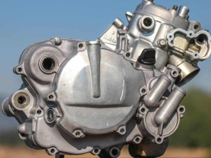Технология Cleanburn для 2-тактных двигателей